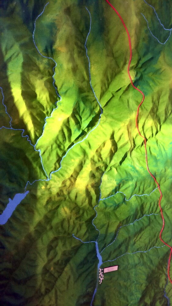topographical model mountain rivers