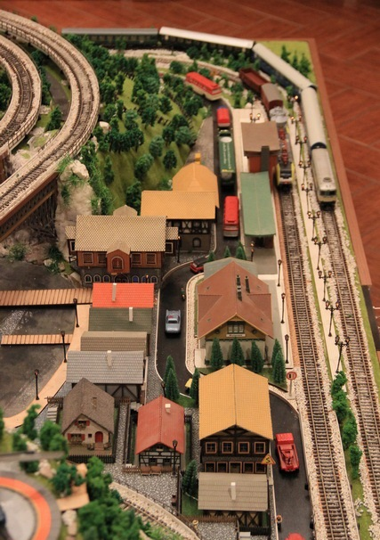 Railroad Layout in HO Scale